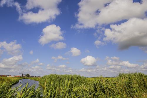 molensloot en wolken (Medium)